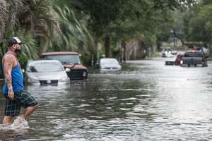 "Трамп объявил режим чрезвычайного положения в Алабаме из-за урагана ""Ирма"""