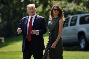 Мелания Трамп в блузке за 700 долларов восхитила стильным образом