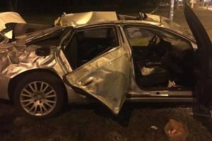 В Киеве Audi на высокой скорости вылетел с дороги
