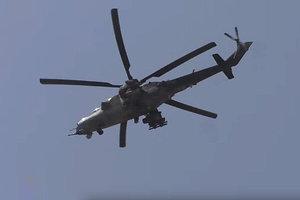 """Над Херсонской областью заметили """"российский вертолет"""": опубликовано видео"""