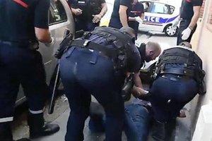 В Тулузе мужчина напал на прохожих и полицейских