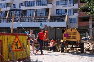 В Киеве на стройплощадках налоговики обнаружили