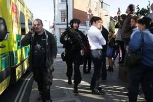 У лондонському метро після вибуху спалахнула паніка і почалася тиснява: фотострічка
