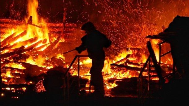 Появилось видео жуткого пожара в детском лагере Одессы