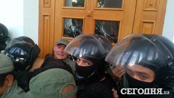 В Одессе отстранили главу райадминистрации и руководство горевшего лагеря