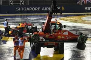 К финишу Гран-при Сингапура добрались всего 12 пилотов, Хэмилтон - первый
