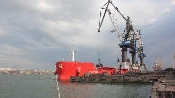 Четвертое судно с антрацитом из ЮАР прибыло в порт Южный