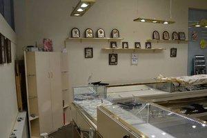 В Николаеве из ювелирного магазина украли пять килограммов золота