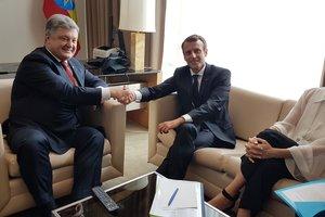 Порошенко и Макрон обсудили отправку миротворцев на Донбасс