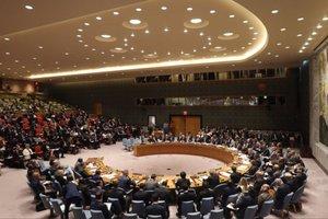Порошенко на Совбезе ООН показал военные билеты российских солдат