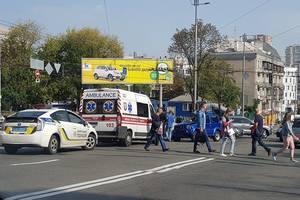 В Киеве автопоезд раздавил женщину