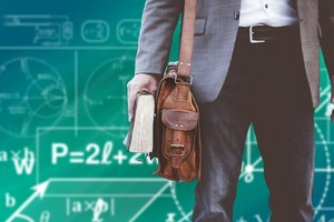 Индиец получил 145 дипломов: как он живет и где работает сейчас