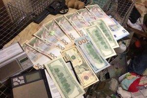 Во Львове поймали торговцев, поставлявших наркотики  в учебные заведения