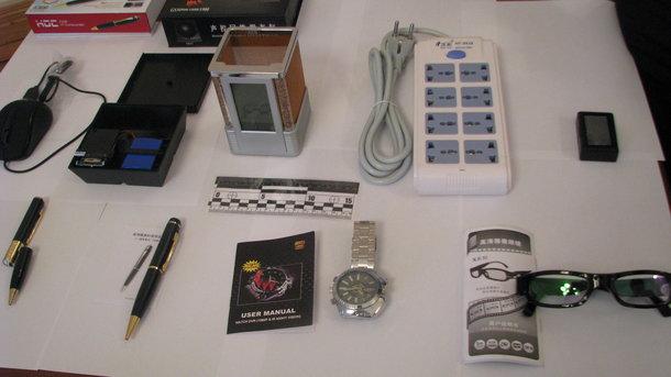 СБУ не раз демонстрировала предметы, в которых были обнаружены скрытые микрофоны и видеокамеры