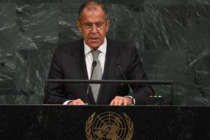НАТО стремится воссоздать климат холодной войны - Лавров