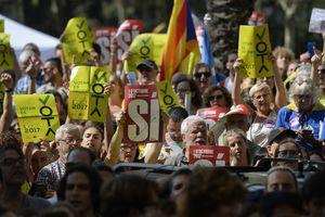 Жители Барселоны устроили