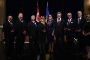 Порошенко поблагодарил украинскую общину Канады за поддержку