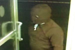 Во Львове неизвестные в масках ограбили заправку