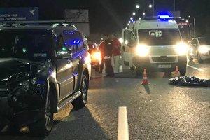 Жуткая смерть: в Киеве пешехода переехали легковушка и фура