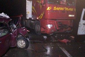 Смертельное ДТП Хмельницкой области: столкнулись легковушка и грузовик