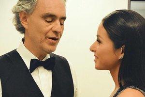 Злата Огневич в эффектном наряде стала специальной гостьей на концерте Андреа Бочелли