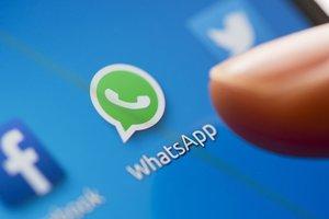 Китай заблокировал самый популярный в мире мессенджер