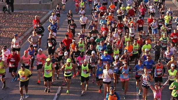 Один изучастников Варшавского марафона скончался в клинике