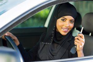 Женщинам Саудовской Аравии впервые разрешили водить автомобиль