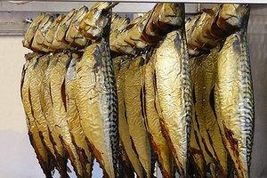 """Массовое отравление рыбой во Львове: сальмонелла и """"война"""" стихийной торговле"""