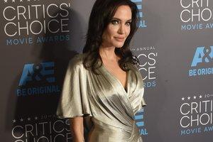 Джоли пришла в ярость и чуть не сорвала съемки телешоу из-за вопроса о Питте