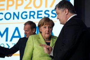 Порошенко и Меркель поговорили по телефону: о чем шла речь