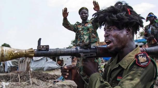 Турчинов объявил, что Украина имеет право торговать оружие Южному Судану