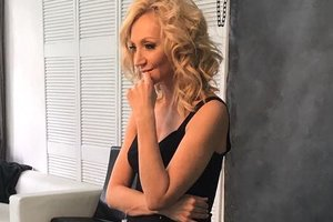 Кристина Орбакайте оконфузилась в комбинезоне за две тысячи евро