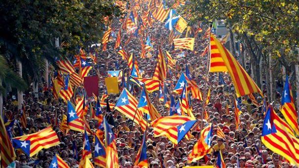 38 человек ранены встолкновениях сполицией— Референдум вКаталонии