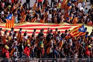 Столкновения в Каталонии: украинцам дали рекомендации