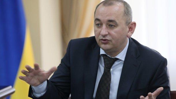 Матиос объявил, что каждый украинец обязан иметь оружие для защиты собственной жизни