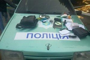 На Донбассе обезвредили банду копов-вымогателей