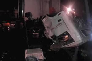 На трассе Киев-Чоп столкнулись две фуры: водитель погиб на месте аварии