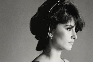 Роковая красотка: Пенелопа Крус снялась в черно-белой фотосессии