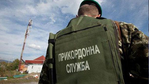 Награнице сРФ украинские таможенники героически задержали военный грузовой автомобиль ссалом