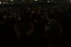 В Москве полиция жестко разогнала ночную акцию сторонников Навального