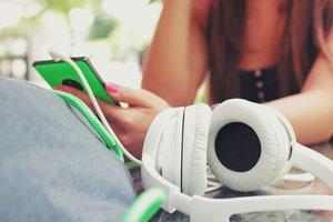 Музыка для прекрасного настроения: плей-лист с недели моды в Париже