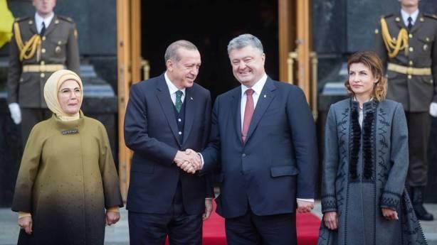 Эрдоган прибыл в Киев и встретился с Порошенко: опубликовано видео