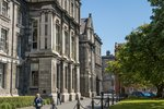 Тринити Колледж. Знаменит как Оксфорд: там свыше тысячи преподавателей учат 16 тыс. студентов
