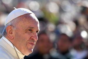 Итальянские зэки сбежали после обеда с Папой Римским