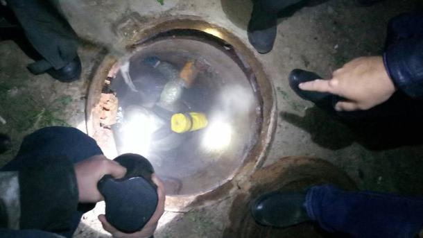 В Харькове в канализации нашли мертвого мужчины