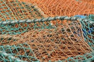 Под Мариуполем нашли тело в рыбацких сетях