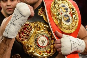 Российский боксер без боя получил чемпионский титул WBA
