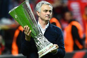 """""""Манчестер Юнайтед"""" предложит Моуринью новый контракт на 70 миллионов евро"""