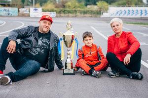 """Сын актера """"Дизель шоу"""" Егора Крутоголова стал чемпионом кубка Украины по картингу"""